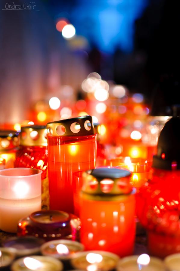 Moravské náměstí se svíčkami